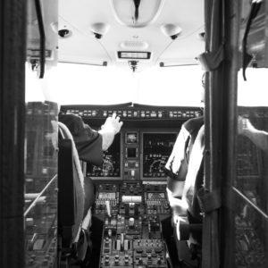 Cockpit of Challenger 300