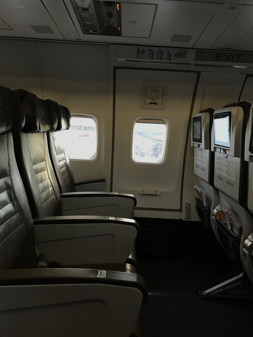Icelandair Economy Class Kef Lhr B757 200 Palo Will Travel
